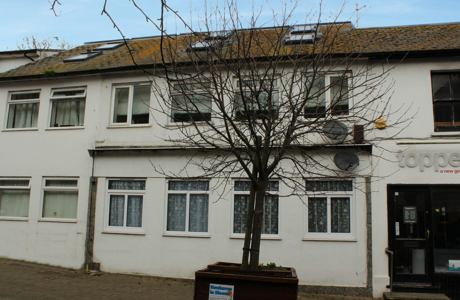 Image of the outside of a 2 bedroom flat in Newhaven| Open House Estate Agents Newhaven
