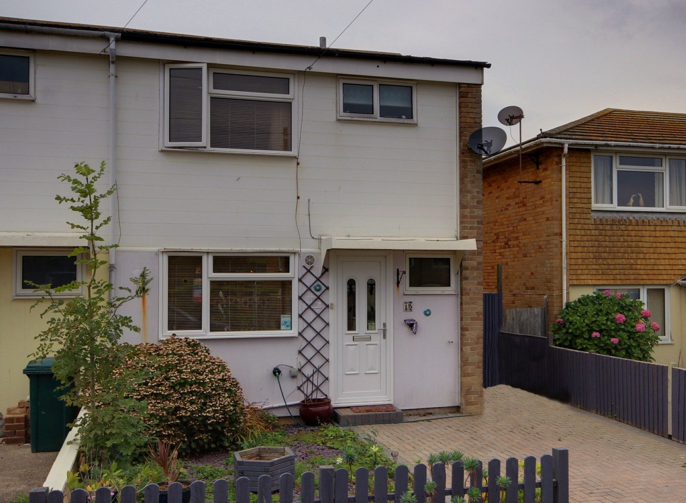 Image of the outside of house in Peacehaven | Open House Estate Agents Peacehaven